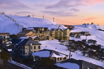 Resorts in Australia's Victoria Province Temporarily Close As Virus Spikes in Province